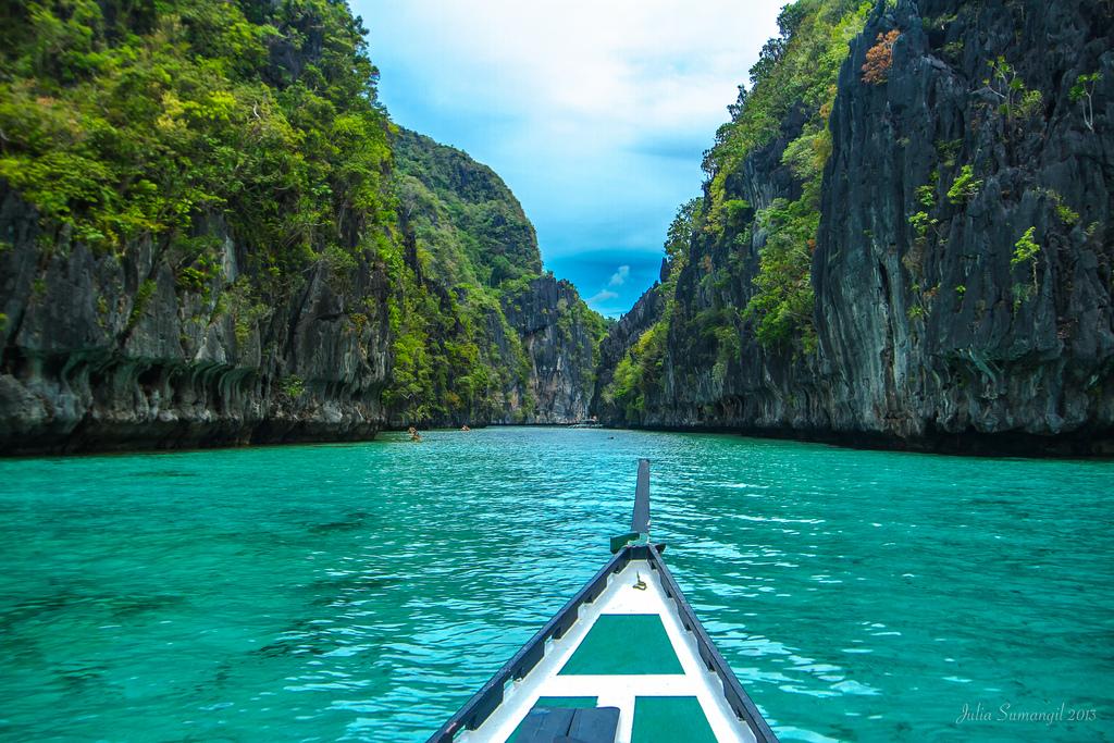 Explore Palawan Philippines - Bacuit Bay Miniloc Island Big Lagoon